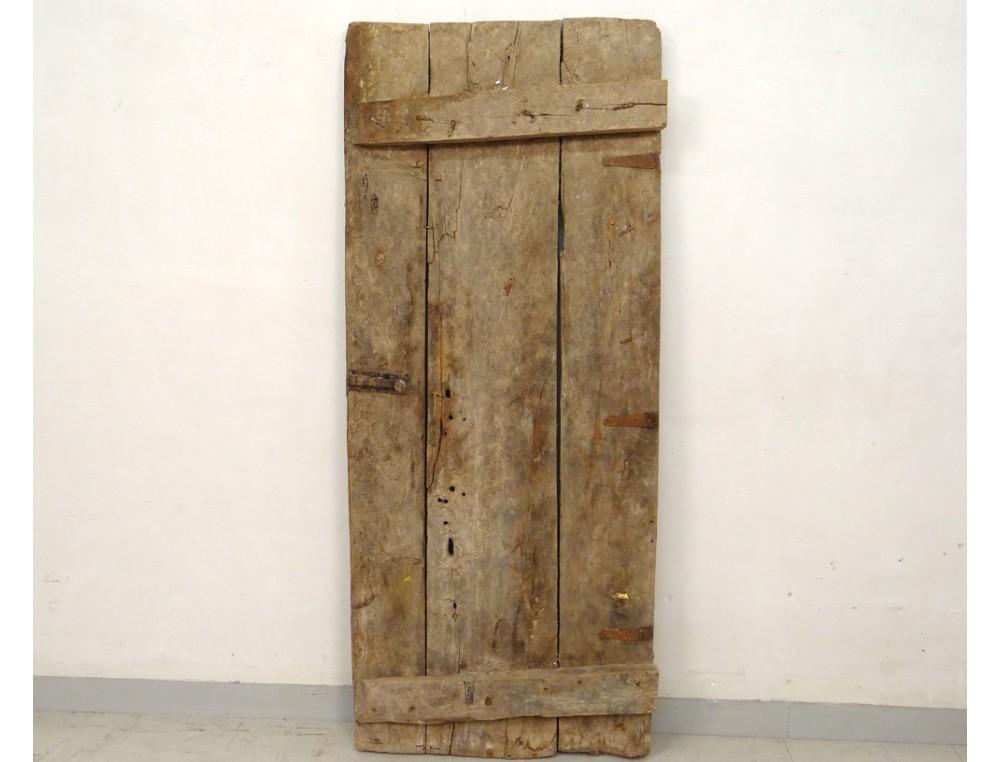 Porte de grenier marocaine bois sculpt sud maroc atlas for Decoration porte marocaine