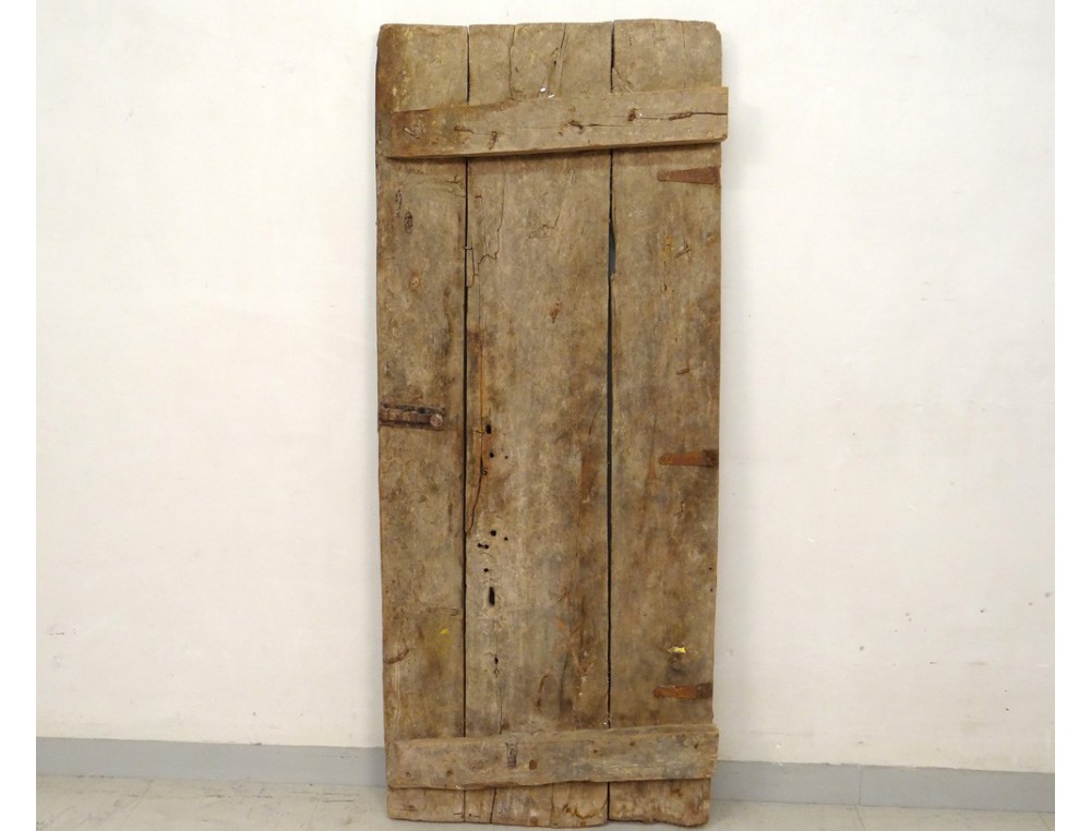 Porte de grenier marocaine bois sculpt sud maroc atlas for Deco porte a coller