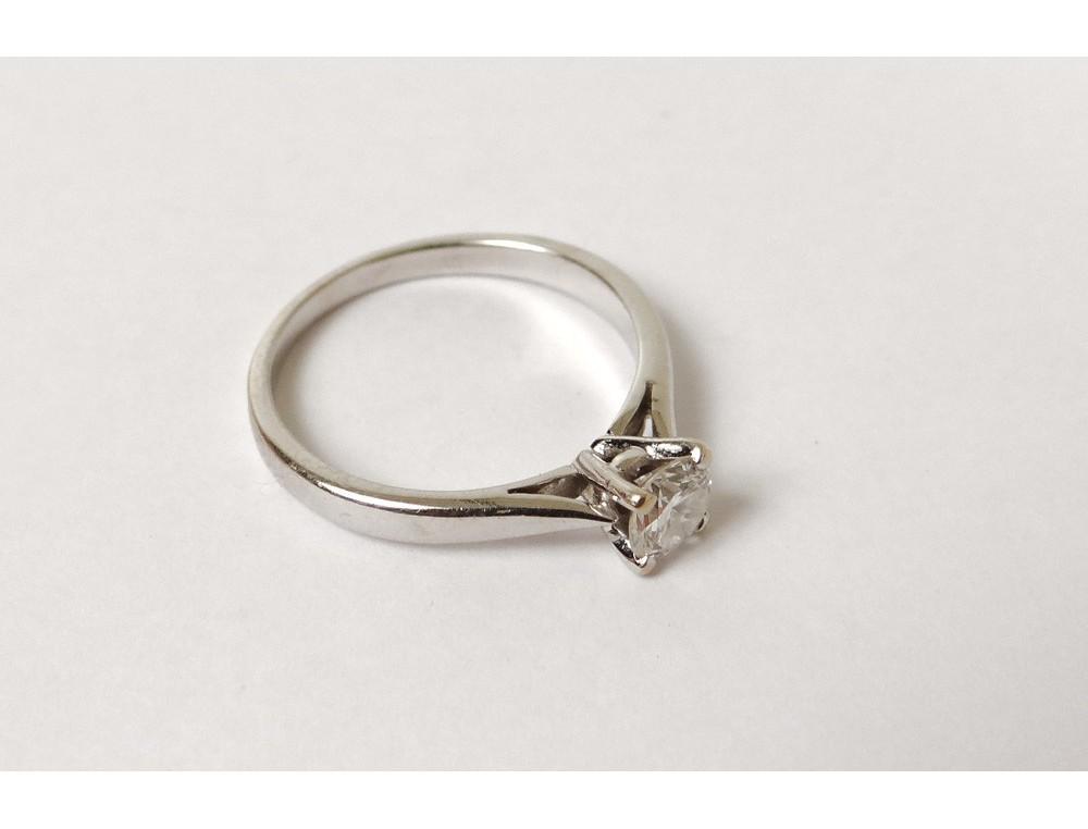 Bien connu Bague or blanc 18 carats tête aigle petit diamant gold ring XXème  JD29
