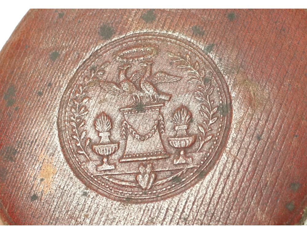 Etui 224 Gobelet Bo 238 Te Cuir Oiseaux Couronne Vase Antique