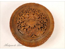 Carved tagua box decorated with flowers, 19th
