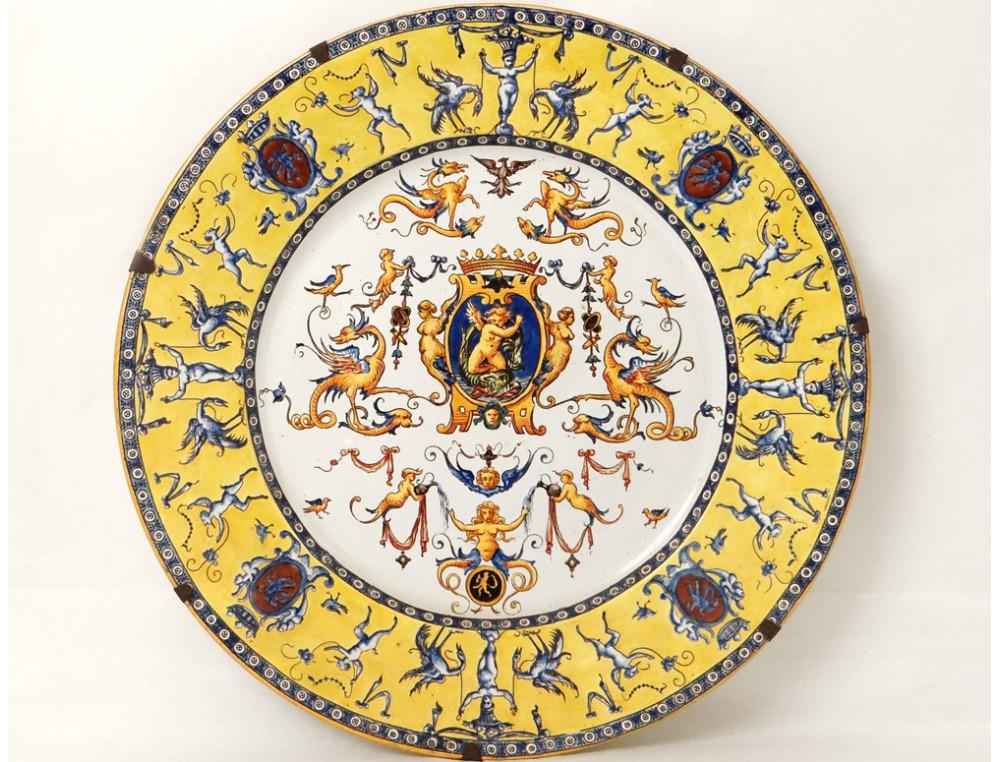 large decorative earthenware dish gien renaissance cherubs. Black Bedroom Furniture Sets. Home Design Ideas