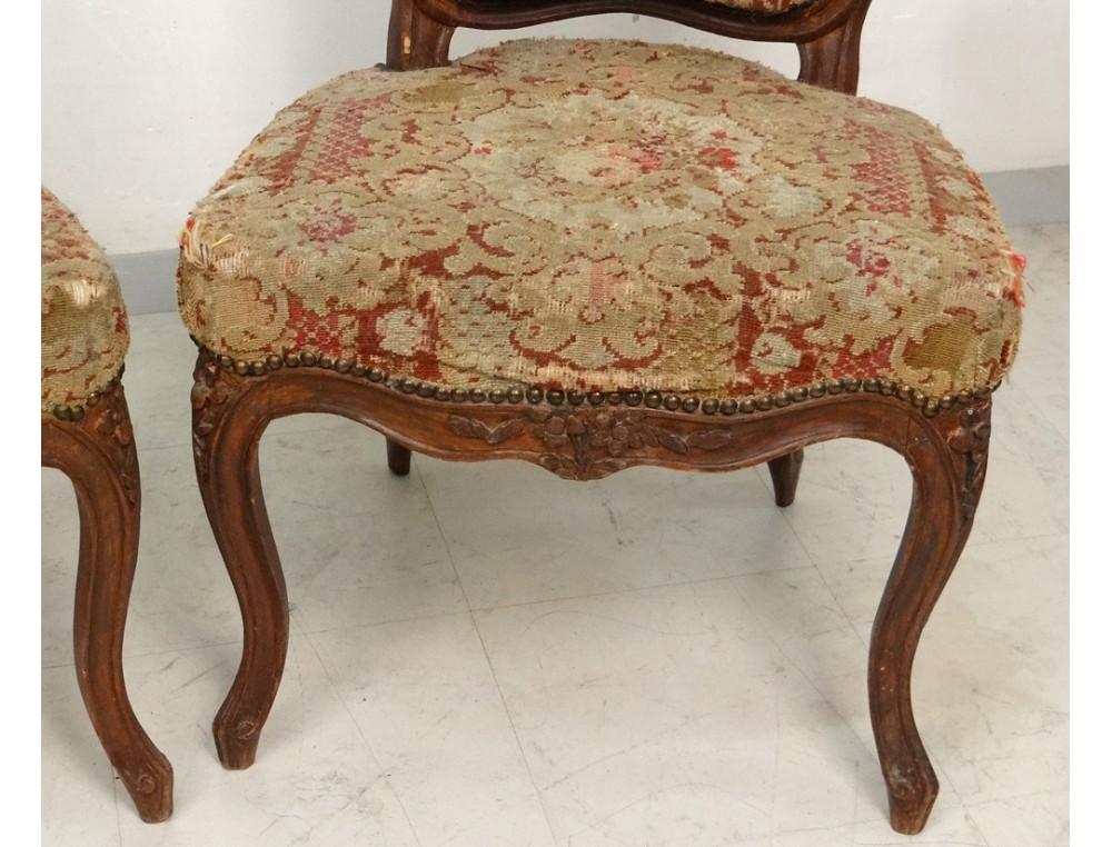 Paire chaises Louis XV bois sculpté fleurs estampille