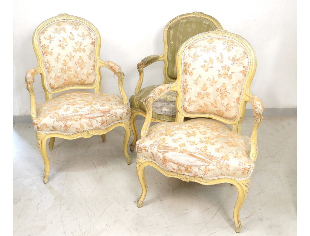 3 fauteuils cabriolet louis xv si ge sculpt estampille courtois xviii me. Black Bedroom Furniture Sets. Home Design Ideas