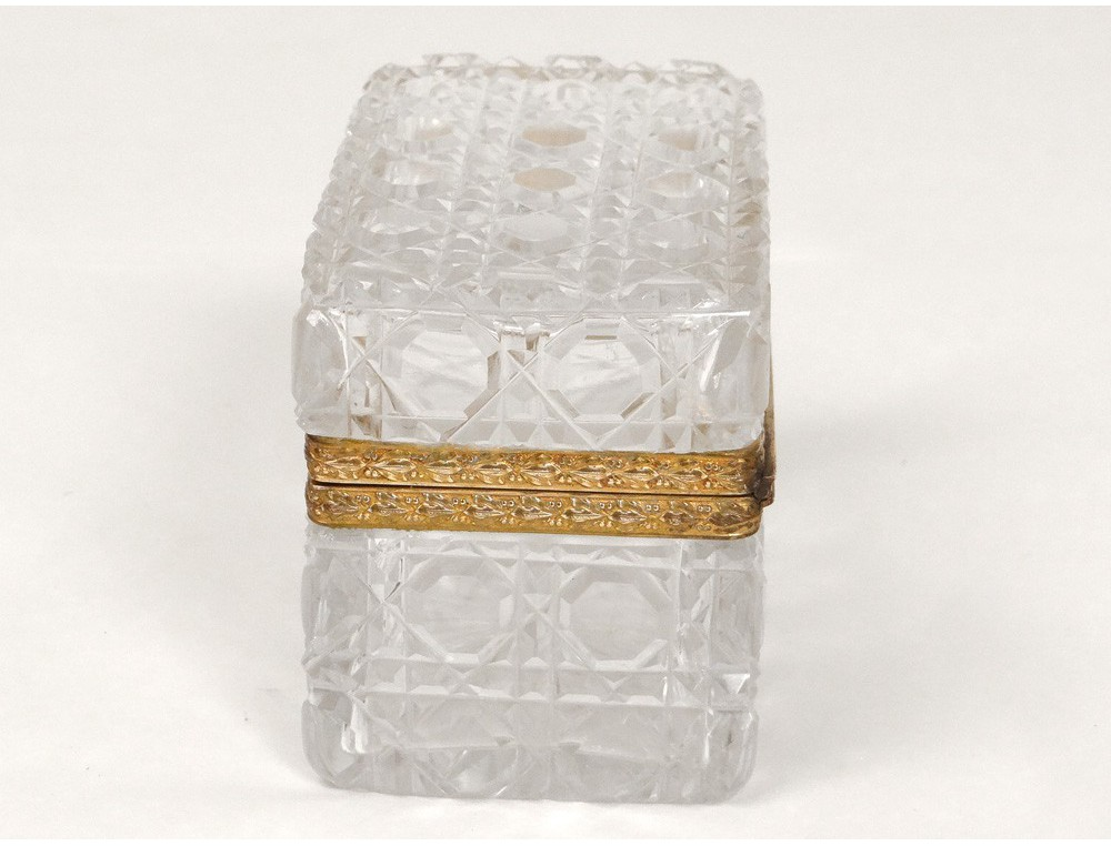 Small Crystal Box Box Carved Gilt Bronze Flowers Crown