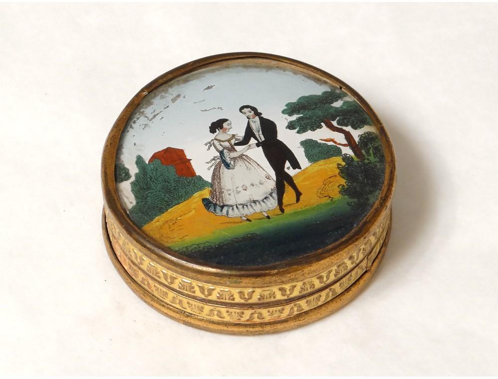 Boîte ronde dorée fixé sous verre scène galante couple danse XIXème ...