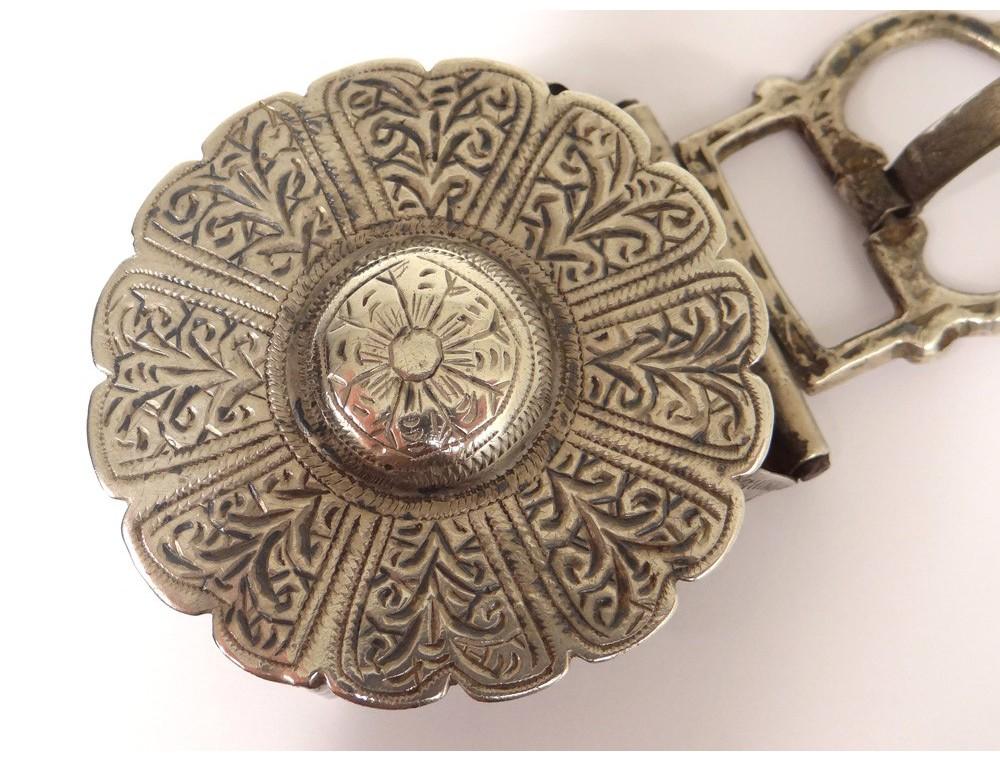 42db98fa4a12 Boucle de ceinture Fekroun argent massif rosace Maroc Maghreb Sahara XXème