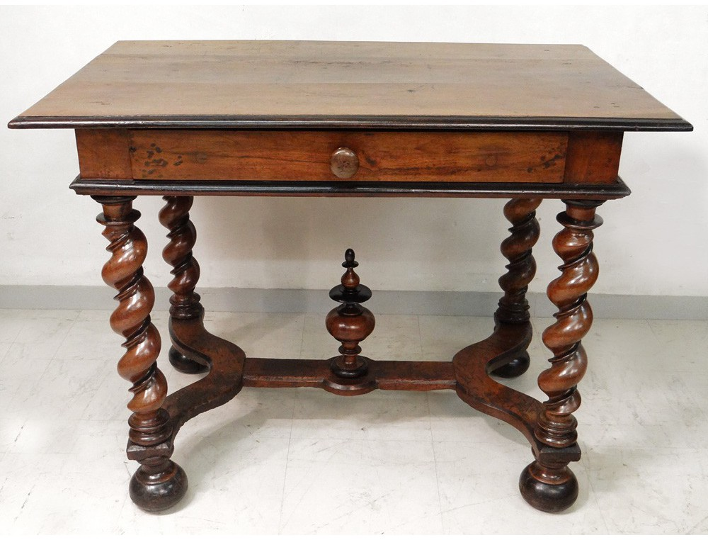 carved walnut table louis xiii twisted feet haute epoque seventeenth century. Black Bedroom Furniture Sets. Home Design Ideas