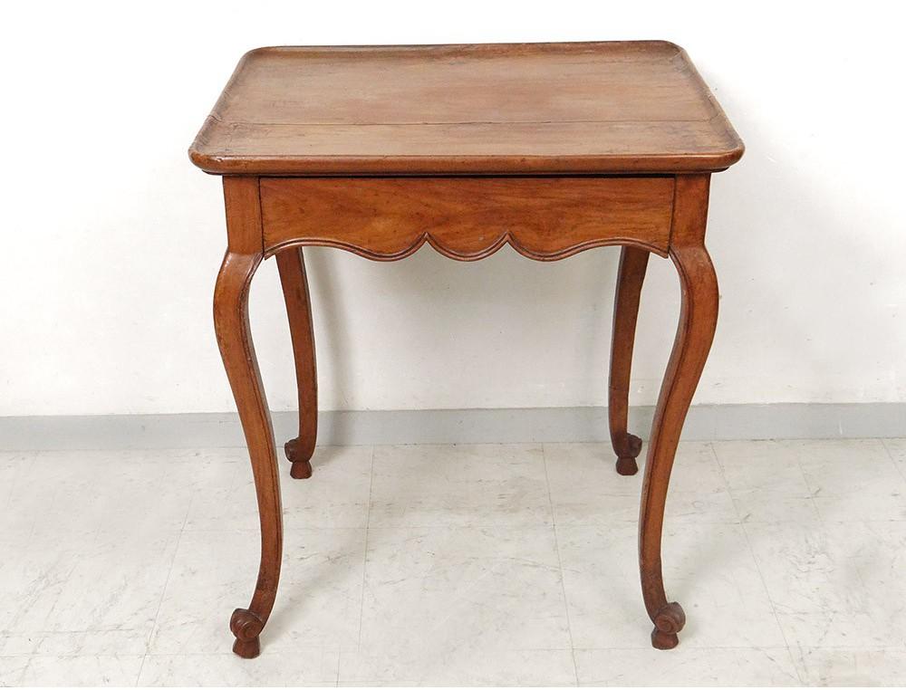 table cabaret louis xv bureau nmerisier sculpt pieds biches xviii me si cle. Black Bedroom Furniture Sets. Home Design Ideas