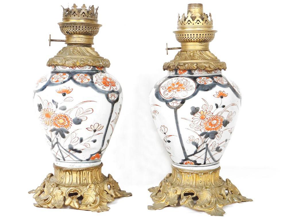 Paire Lampes Petrole Porcelaine Imari Bronze Fleurs Glands Xixeme Siecle