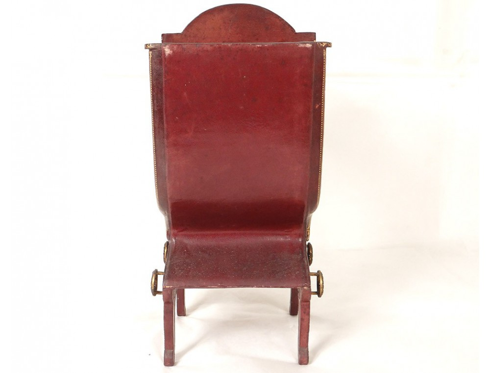 petite vitrine chaise porteur cuir dor au fer fleurs