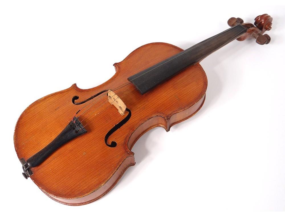 réflexions sur artisanat exquis styles divers Violon d'enfant 1/2 luthier Paul Beuscher Bd Beaumarchais ...