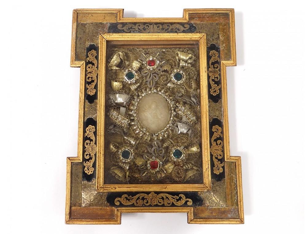 60fe05acd985 reliquary wax medallion frame Clement Virgo son glass gold églomisé ...