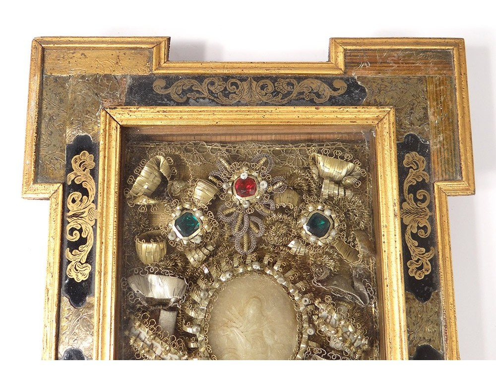 bd5bee67f825 reliquary wax medallion frame Clement Virgo son glass gold églomisé  nineteenth